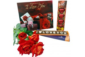 Mesmerizing combo of i love you chocolate sms and heart shape chocolate with flower and greeting